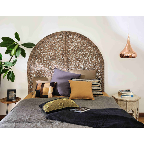 t te de lit 140 en bois sculpt indore maisons du monde. Black Bedroom Furniture Sets. Home Design Ideas