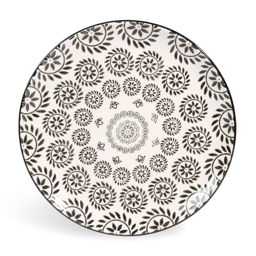 assiette plate en fa ence noire blanche d 27 cm chiang mai maisons du monde. Black Bedroom Furniture Sets. Home Design Ideas
