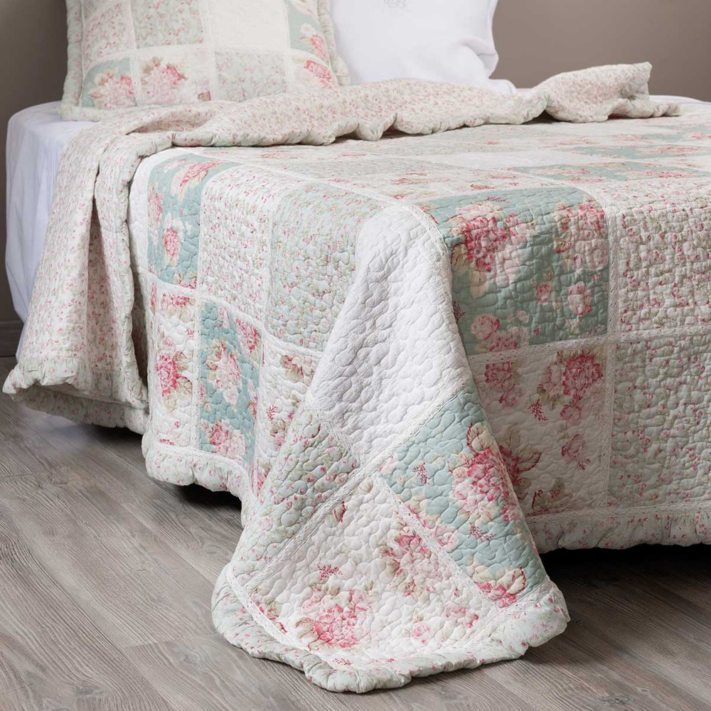CAMÉLIA cotton floral quilted bedspread in green and pink 240 x 260cm