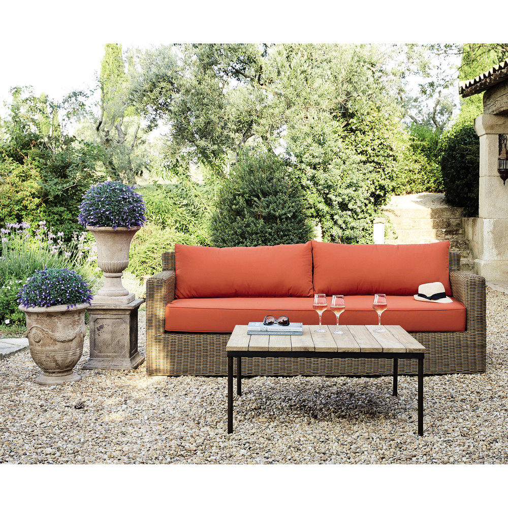 Beautiful table jardin resine tressee fidji pictures for Mobilier de jardin pas cher en resine tressee