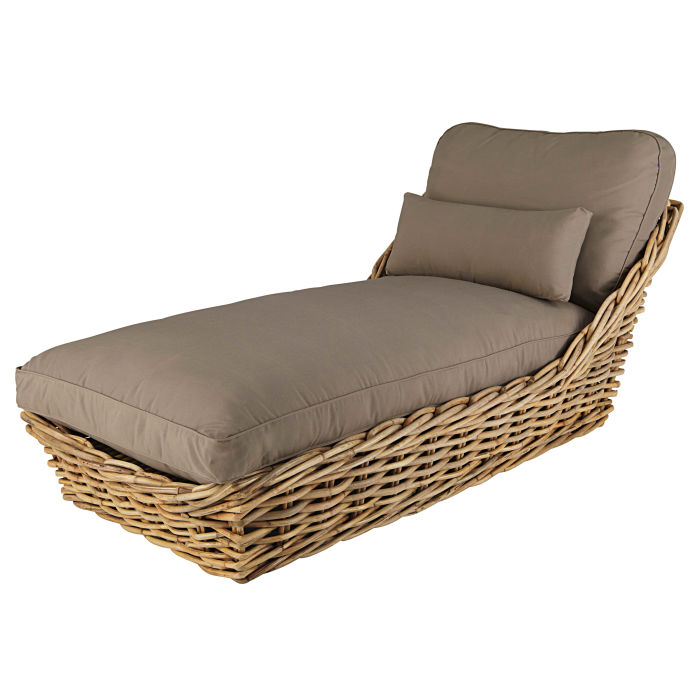 Chaiselongue rattan  Garden chaise longue in rattan with taupe cushions | Maisons du Monde
