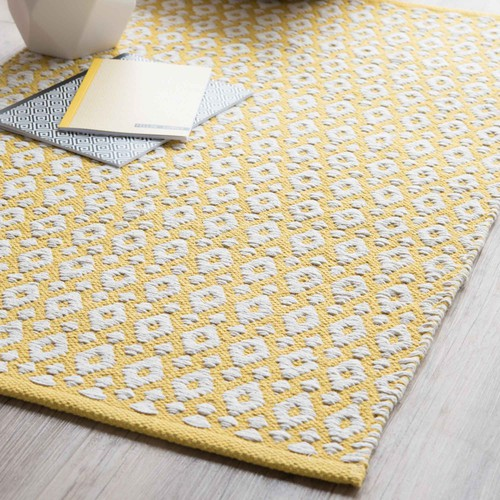 leiria cotton rug yellow 60 x 90 cm maisons du monde. Black Bedroom Furniture Sets. Home Design Ideas