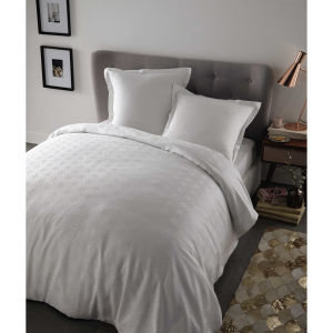 parure de lit 220 x 240 cm en coton blanche maisons du monde. Black Bedroom Furniture Sets. Home Design Ideas