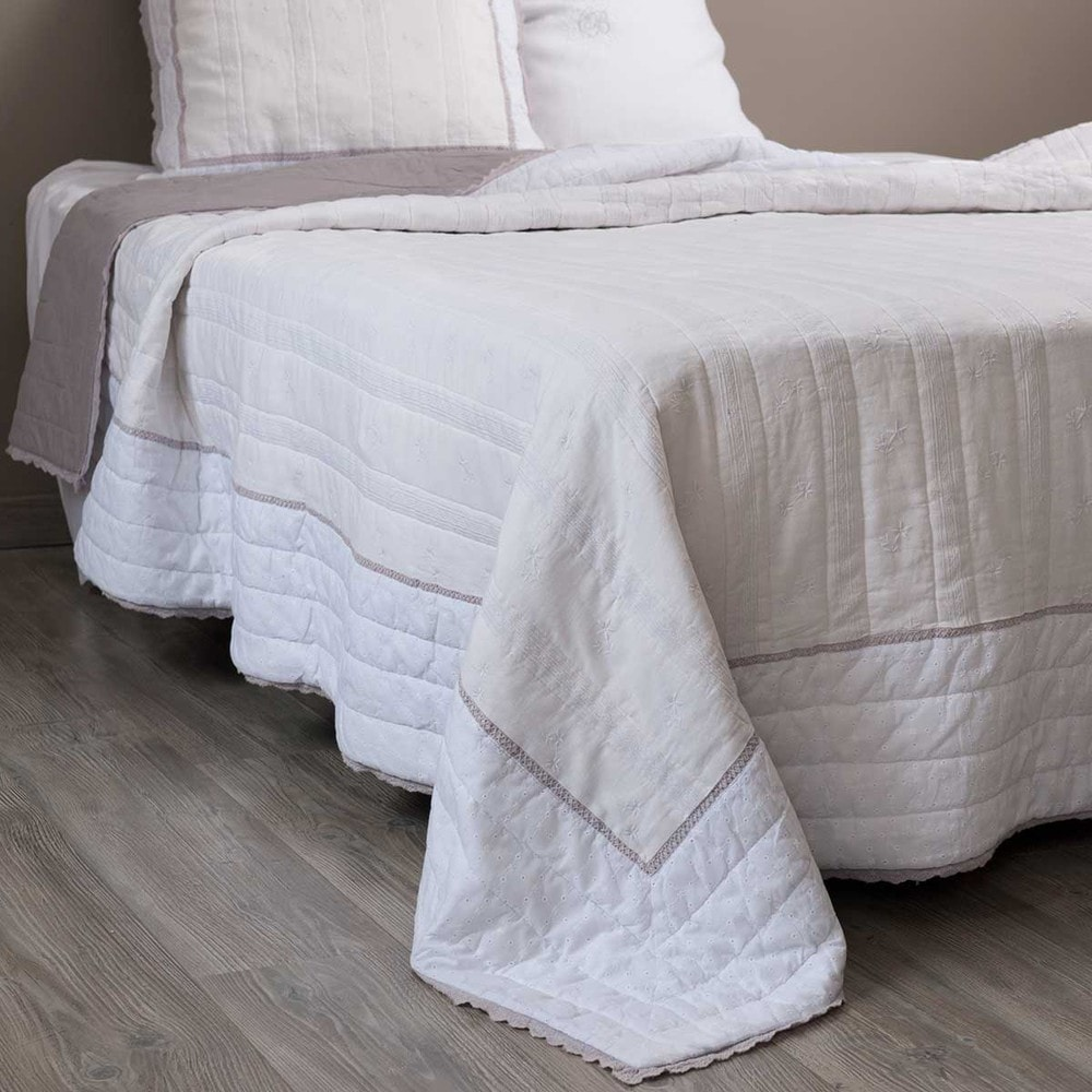 SOREL linen quilted bedspread in white 240 x 260cm