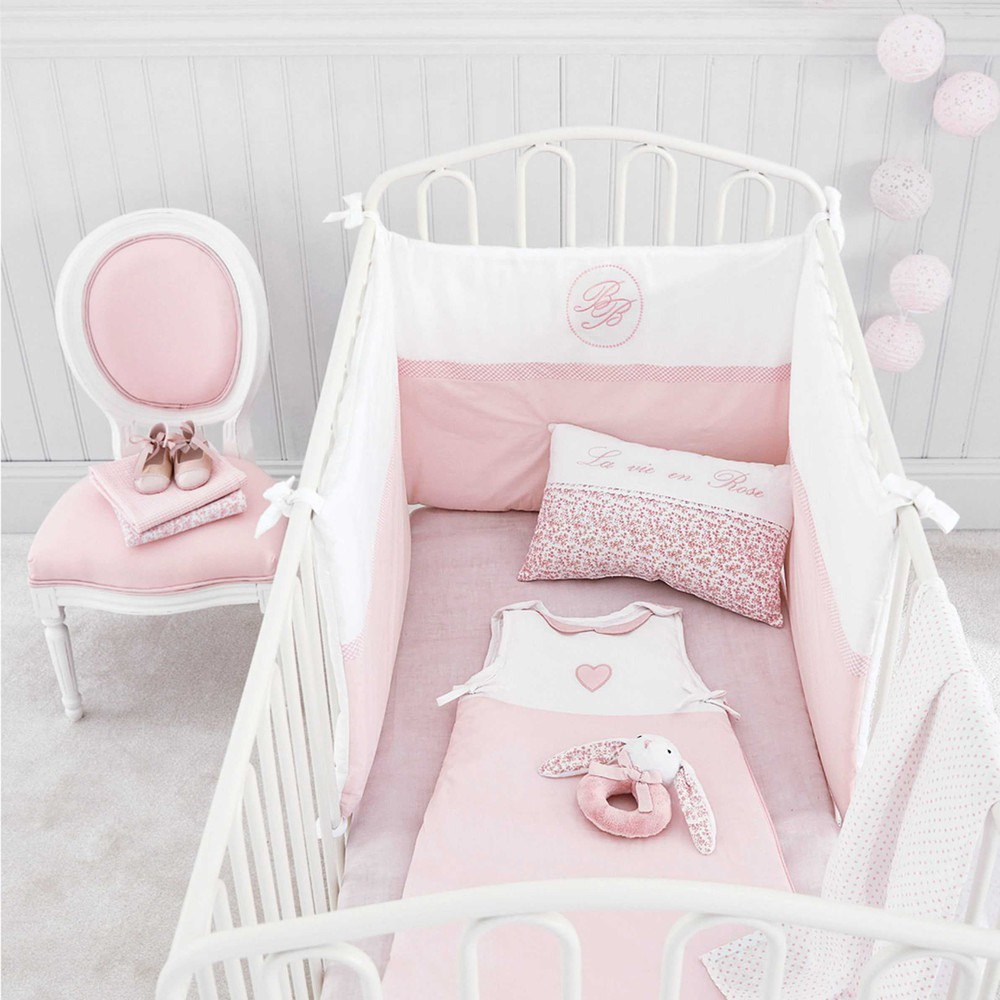 good tour de lit bb en coton rose x cm victorine maisons du monde with maison du monde lit bebe. Black Bedroom Furniture Sets. Home Design Ideas
